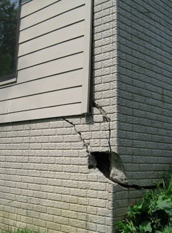 severe cracking of structural walls in Forest Lake